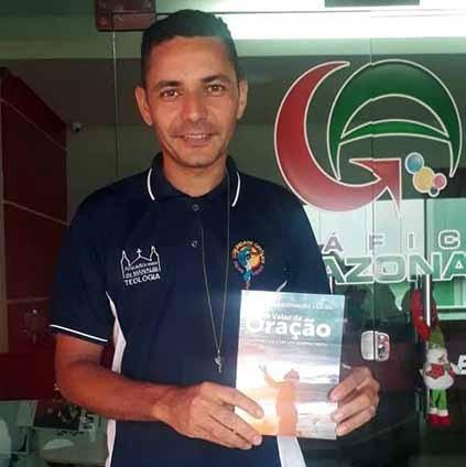 Diácono Leonardo Lucas lança novo livro