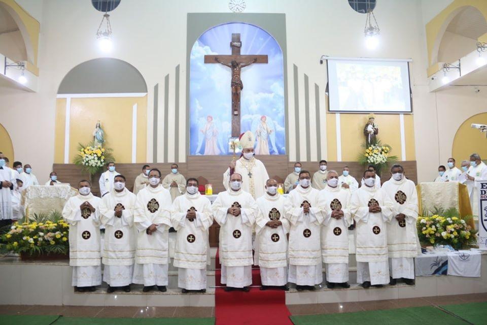 Ordenados os primeiros Diáconos Permanentes da Diocese de Zé Doca (MA)