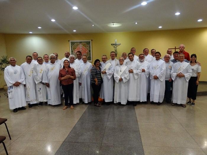 Padre Silvio presidiu missa na Capela do CCM