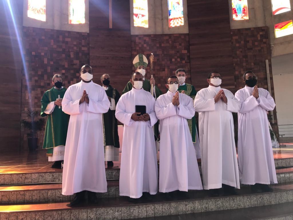 Candidatos da Diocese de Luziânia (GO) recebem o Ministério do Leitorado