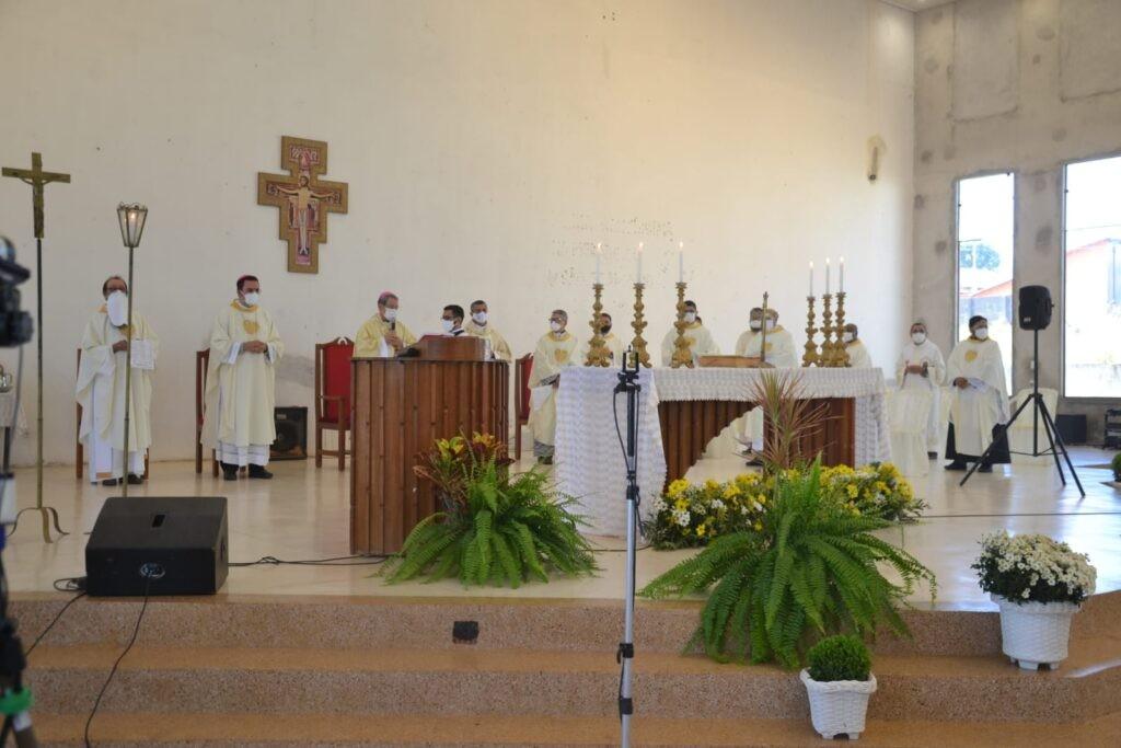 A Diocese de Cristalândia (TO) ordena dois primeiros Diáconos Permanentes