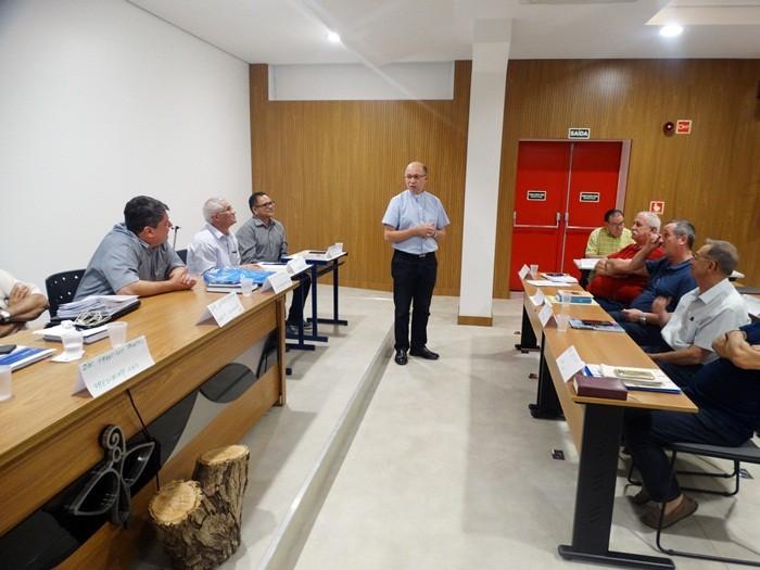Dom Amilton visita Conselho Consultivo