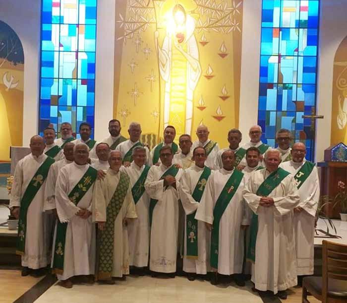 Padre Guilermo assessorou o Retiro dos Diáconos da Diocese de Lorena (SP)