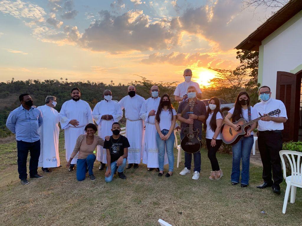 Candidatos recebem o Ministério de Acólito na Diocese de Itabira/Coronel Fabriciano (MG)
